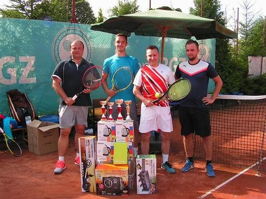 Grali w tenisa